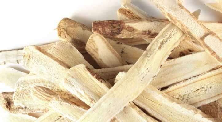 astragalus-root-slices.jpg