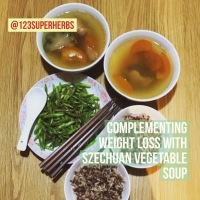 Weight Loss Soup: Szechuan vegetable soup with lots of tomatoes! [四川菜排骨汤]